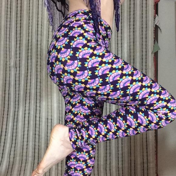 LuLaRoe Pants - OH! LuLaRoe I Love You, Purple FANS Soft Leggings